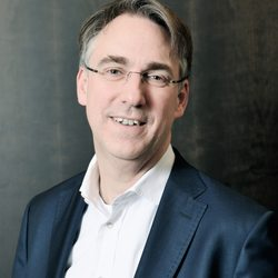 Donald Wachs, Leiter Industrial Manufacturing und Industry 4.0 bei BearingPoint