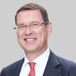 Jens Raschke, Globaler Leiter Chemicals, Life Sciences und Resources bei BearingPoint.