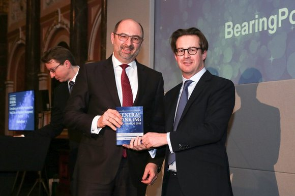 Robert Wagner receives the Central Banking Award 2018 for BearingPoint's RegTech expertise